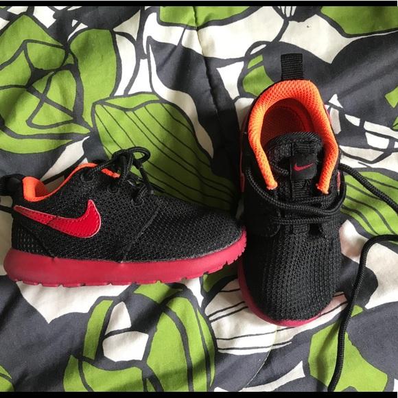 official photos 97b48 58563 Toddler Nike roshe run